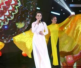 Vợ NSƯT Quốc Nghiệp, Ngọc Mai gây bất ngờ với giọng hát đẹp