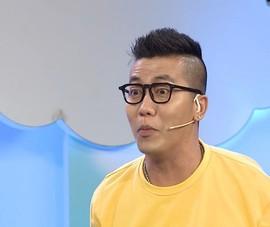 Bố hát karaoke ru con ngủ khiến Hoàng Rapper cười 'té ghế'