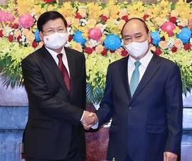 Chủ tịch nước Nguyễn Xuân Phúc lên đường thăm hữu nghị chính thức Lào