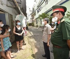 Phó Thủ tướng Vũ Đức Đam kiểm tra công tác phòng chống dịch ở Gò Vấp