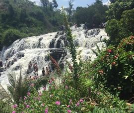 Độc, lạ thác 5 tầng hút khách du lịch dịp lễ ở Đắk Nông