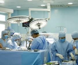 Tim bệnh nhân vẫn hoạt động trong suốt ca mổ bắc cầu mạch vành