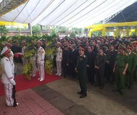 Phó Thủ tướng Trịnh Đình Dũng đến viếng 13 liệt sĩ hi sinh