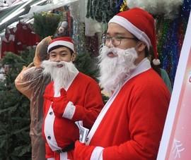 Video: Thị trường đồ Giáng sinh ế ẩm vì COVID-19