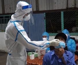 Video: Khẩn trương lấy mẫu xét nghiệm tại lò mổ gia súc lớn nhất Đà Nẵng