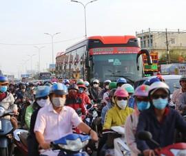 Khuyến khích xe máy trên 5 tuổi đi kiểm tra khí thải