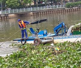 Kế hoạch vớt rác trên kênh trong dịp Tết Nguyên đán