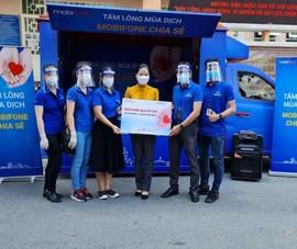 TP.HCM: MobiFone tặng quà cho người dân có hoàn cảnh khó khăn