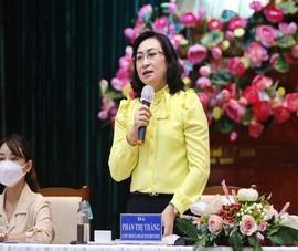 Video: Bà Phan Thị Thắng hứa vẫn hỗ trợ lương giáo viên