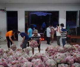 Người dân Quảng Bình tặng nông sản cho công nhân TP.HCM