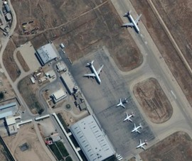 Nghị sĩ Mỹ cáo buộc Taliban giữ máy bay và người sơ tán làm 'con tin'