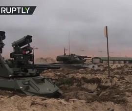 Video: Robot chiến đấu diệt tăng Nga xuất hiện trong cuộc tập trận Zapad 2021