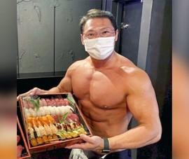 Nhà hàng sushi thuê hot boy bán khỏa thân giao hàng cho khách