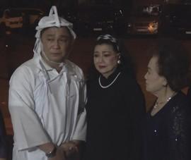 NSND Kim Cương và nhiều nghệ sĩ đến viếng NSND Lý Huỳnh