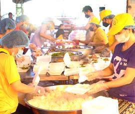 Video: Bữa cơm yêu thương - Chia sẻ để gần nhau hơn