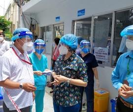 Video: Ra ngoài không cần thiết, quận Phú Nhuận xử phạt 166 triệu trong một ngày