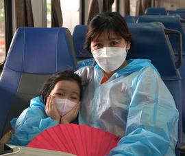 Video: Hơn 400 công dân Quảng Trị tạm biệt TP.HCM về quê vì dịch COVID-19