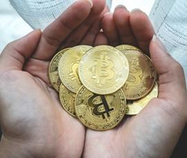 Tiền ảo bitcoin 'ăn theo' giá vàng
