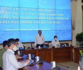 Phó Thủ tướng Trương Hòa Bình kiểm tra phòng dịch ở TP.HCM