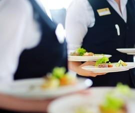 Khách sạn 5 sao bán đồ ăn online giá 'phải chăng', giao hàng tận cửa