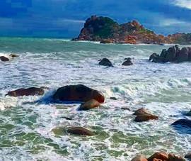 2 du khách bị sóng cuốn trôi ở bãi biển Kê Gà, Bình Thuận