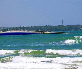 2 đội người nhái lặn khảo sát con tàu chìm ở Mũi Né