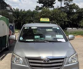2 taxi được cấp phép chở bệnh nhân nhưng tài xế đưa khách 'thông chốt'