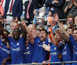 Chelsea vô địch FA Cup, Man. United trắng tay