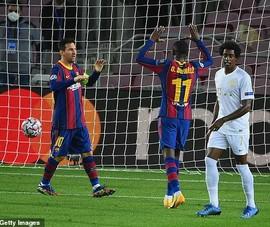 Pique bị đuổi, Messi khơi mào chiến thắng 'hủy diệt' cho Barca