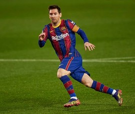 Barca hết tiền trả lương Messi: PSG và Man City vào cuộc