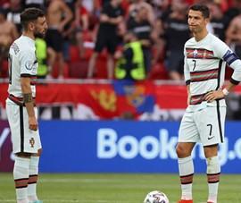 Ronaldo được chọn đá 11m cho MU, còn Bruno làm gì?