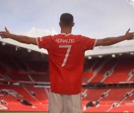 Chi tiết cuộc gọi của Ronaldo cho Cavani để lấy áo số 7