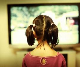 Quyết không để tivi ăn bớt tuổi thơ của con