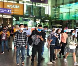 Lễ 30-4, sân bay Tân Sơn Nhất 'bận rộn' trở lại