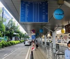 Cần phương án đồng bộ để xe công nghệ bắt khách tại sân bay