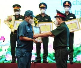 Bộ Tư lệnh TP.HCM tôn vinh những tập thể, cá nhân tiêu biểu chống dịch