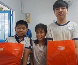 Lớp học cho trẻ nghèo của cô Hoa : 'Tui mừng cho tụi nhỏ!'