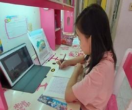 Ngày đầu chính thức học online: Phụ huynh liên tục chất vấn cô về bài giảng!