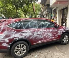 Bị người khác xịt sơn kín xe có được bồi thường bảo hiểm?