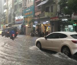 Lái xe trong mùa mưa cần lưu ý điều gì?