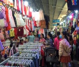 Chợ, trung tâm thương mại đông khách sắm quần áo tết