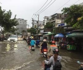 Nhiều nhà dân bị ngập, tài sản hư hỏng do triều cường dâng