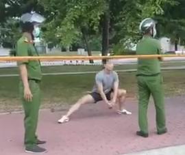 Thản nhiên tập thể dục ở công viên giăng dây khi công an đến nhắc nhở