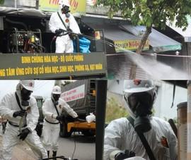 Hình ảnh Quân đội bắt đầu phun 6 tấn thuốc khử khuẩn trên toàn TP.HCM