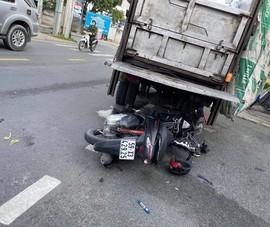 Tông đuôi xe chở rác đang dừng ở TP Thủ Đức, người đàn ông tử vong