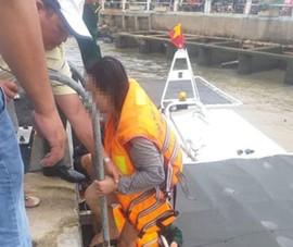 Cứu kịp thời 1 cô gái nhảy sông Đà Rằng tự tử