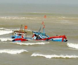 Tàu cá bị đâm chìm, 2 ngư dân mất tích