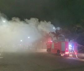 Quán bar ở Phú Yên bị cháy hơn 15 tiếng đồng hồ