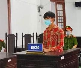 Bắt giam tại tòa thanh niên đang cách ly tấn công lực lượng chống dịch