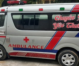 Thuê xe cứu thương chở người từ vùng dịch về làm lây lan COVID-19